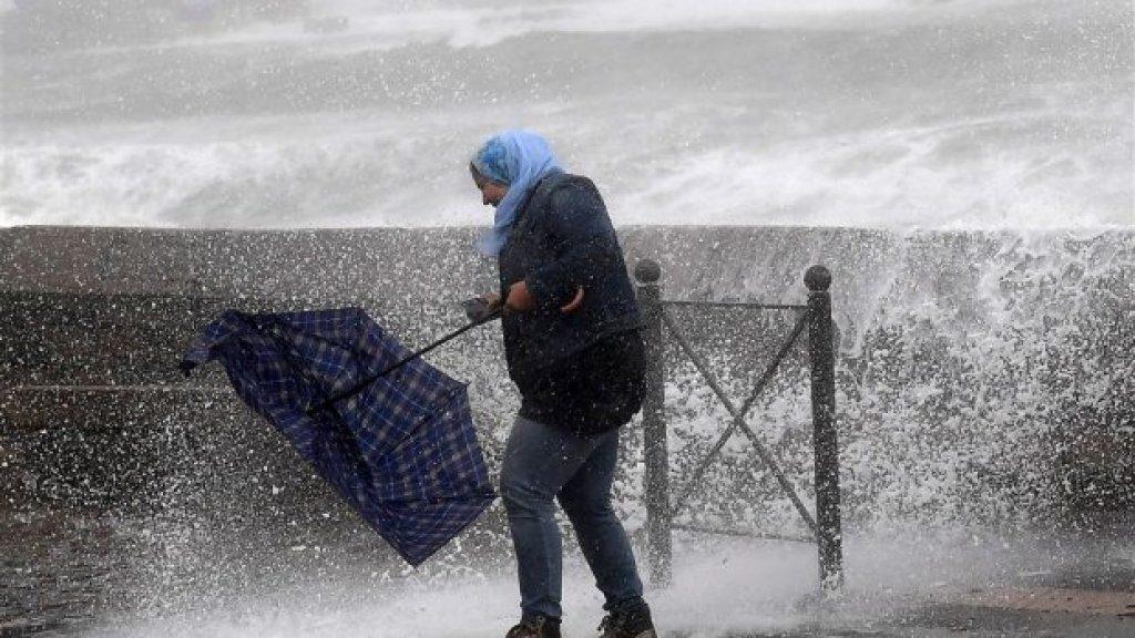 Als je echt stormproof wilt zijn neem je een STORMaxi paraplu